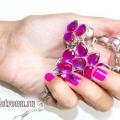 Яскраво-рожевий манікюр на коротких нігтях: урок з фото