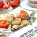 Курка, запечена з овочами і шампіньйонами в духовці: рецепт з фото