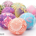Падалка з дітьми: розписні пасхальні яйця