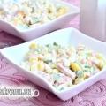 Салат «захват» з крабовими паличками, кукурудзою, шинкою і огірком: рецепт з фото