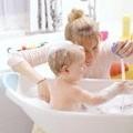 Як грати з дитиною першого року життя?