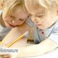 Як навчити дитину писати красиво?