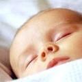 Як привчити дитину засинати самостійно в ліжечку