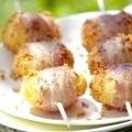 Шашлички з картоплі в беконі
