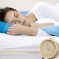 Сон допомагає в боротьбі зі старінням і зайвою вагою