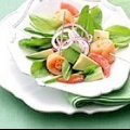 Салат з авокадо з рожевим грейпфрутом