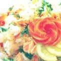 Салат з рисом і лососем