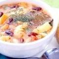 Суп мінестроне з білою квасолею, овочами та локшиною: рецепт з фото