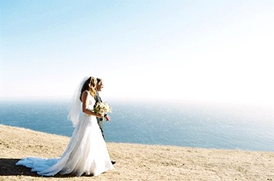 bride-dad-ceremony-ocean-big-sur-11