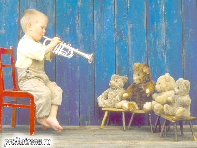 boy-with-trumpet
