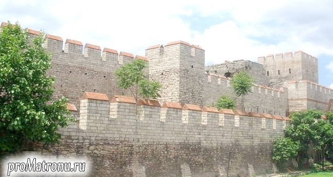 800px; Walls_of_Constantinople